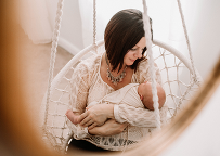 Cleveland newborn photographer Chelsey Hill shares styled newborn session with natural unposed.