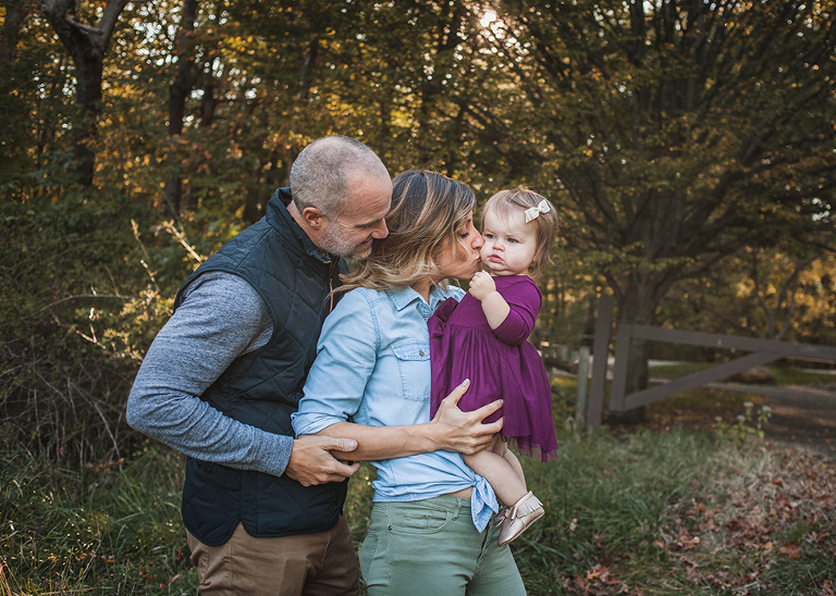 Cleveland family mini session taken at cleveland lake erie beach by Chelsey Hill Photography