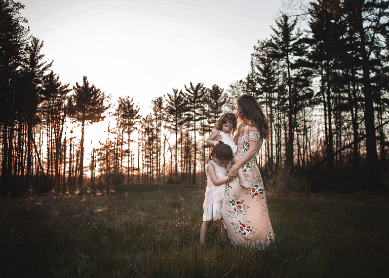 mommy and me self-portrait outdoor lifestyle session by ohio family photographer chelsey hill photography