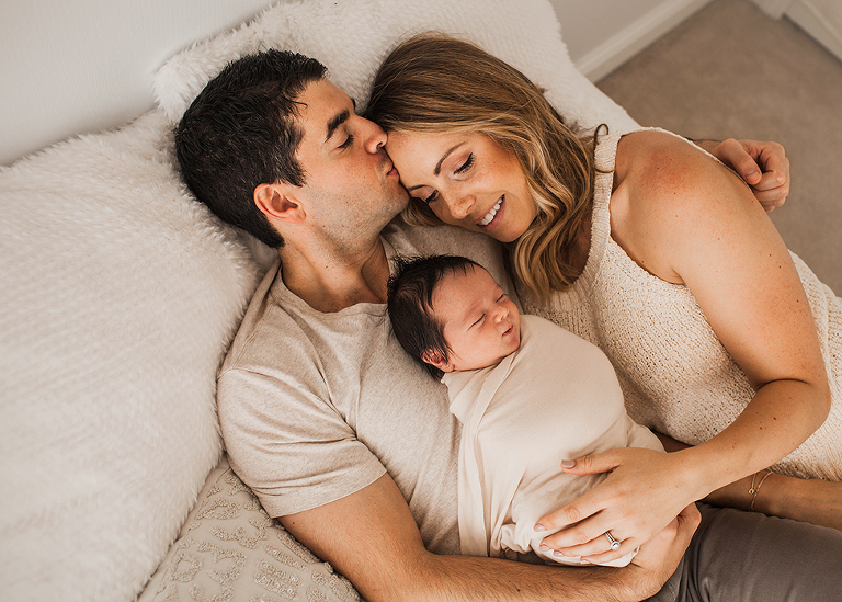 Cleveland newborn photographer also incorporates lifestyle newborn family shots by Chelsey Hill Photography