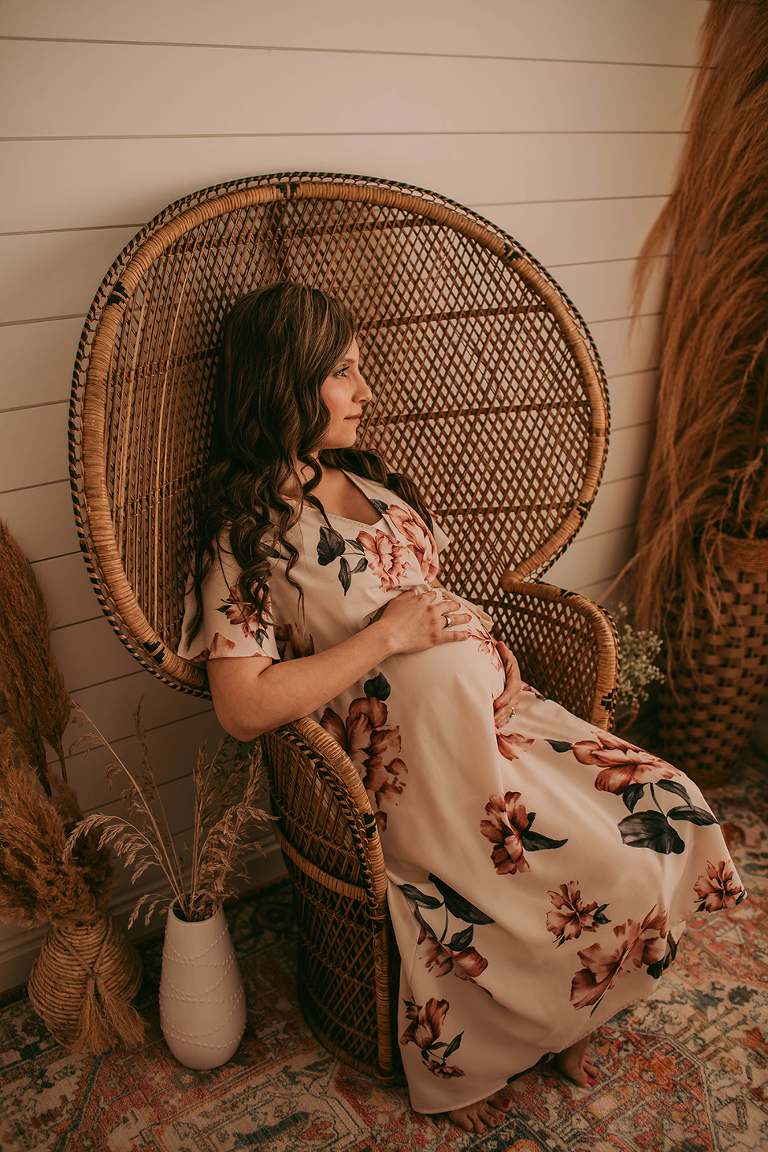 Indoor maternity studio bohemian session pampers grass