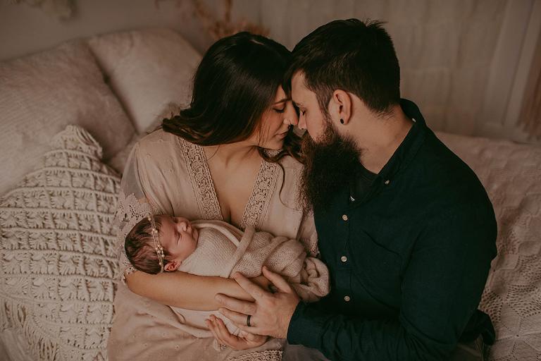 Cleveland Ohio newborn photographer