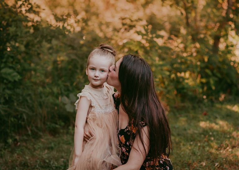 professional family photographer located in Cleveland, Ohio