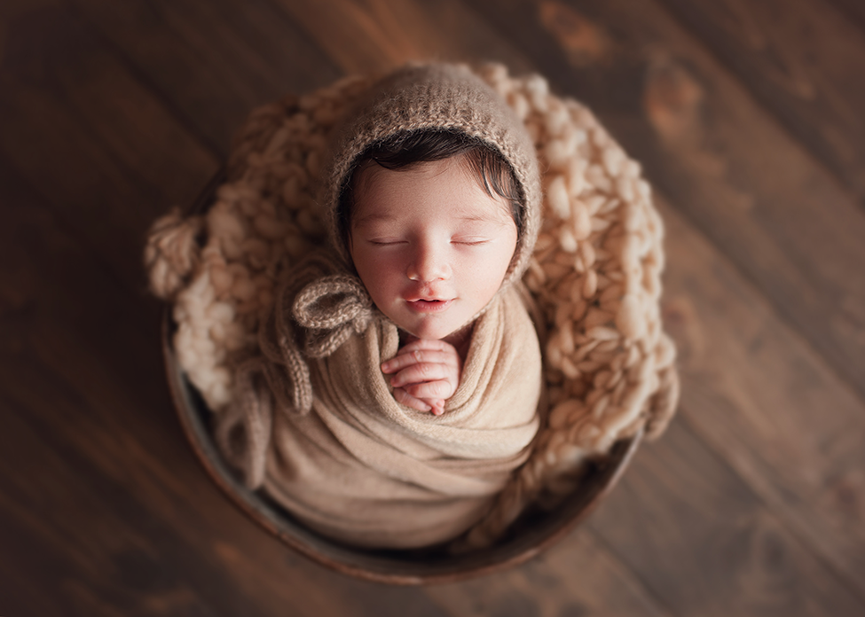 best newborn photographer in cleveland